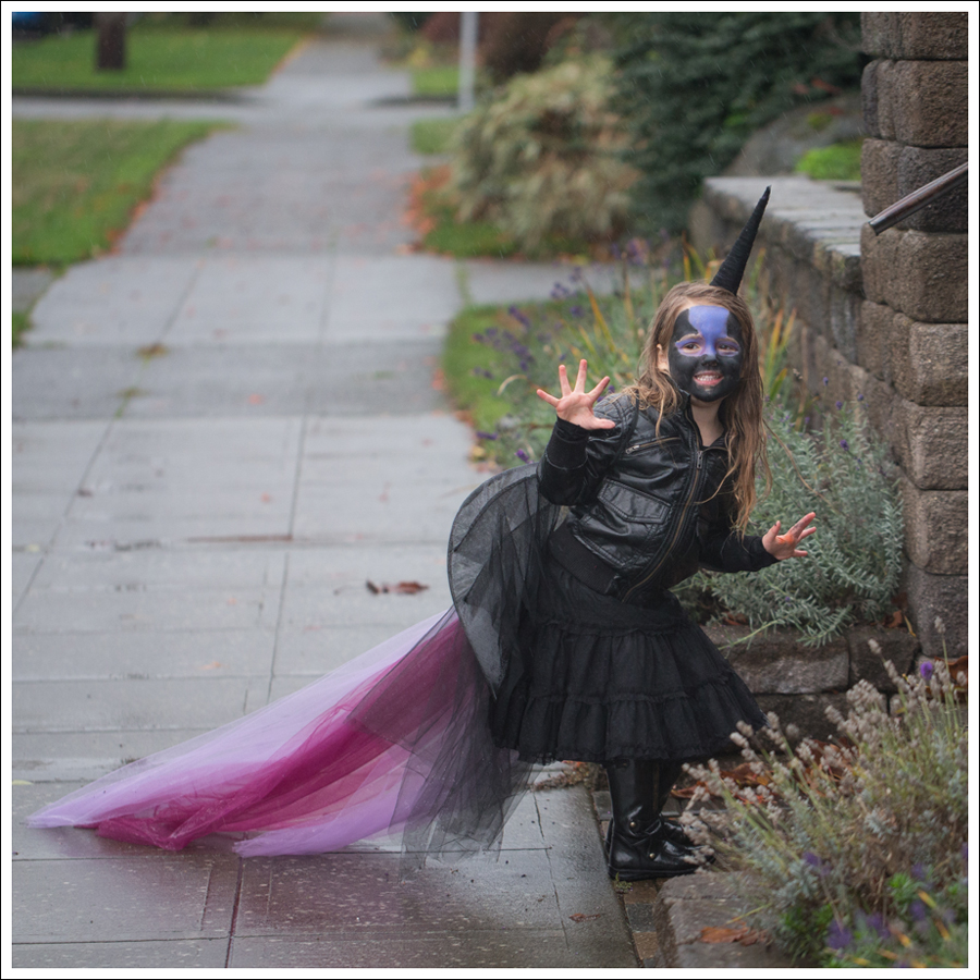Blog DIY Unicorn Horn Halloween Costume-1