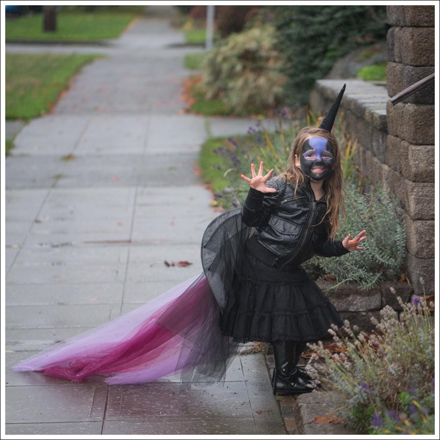 Blog DIY Unicorn Horn Halloween Costume-1