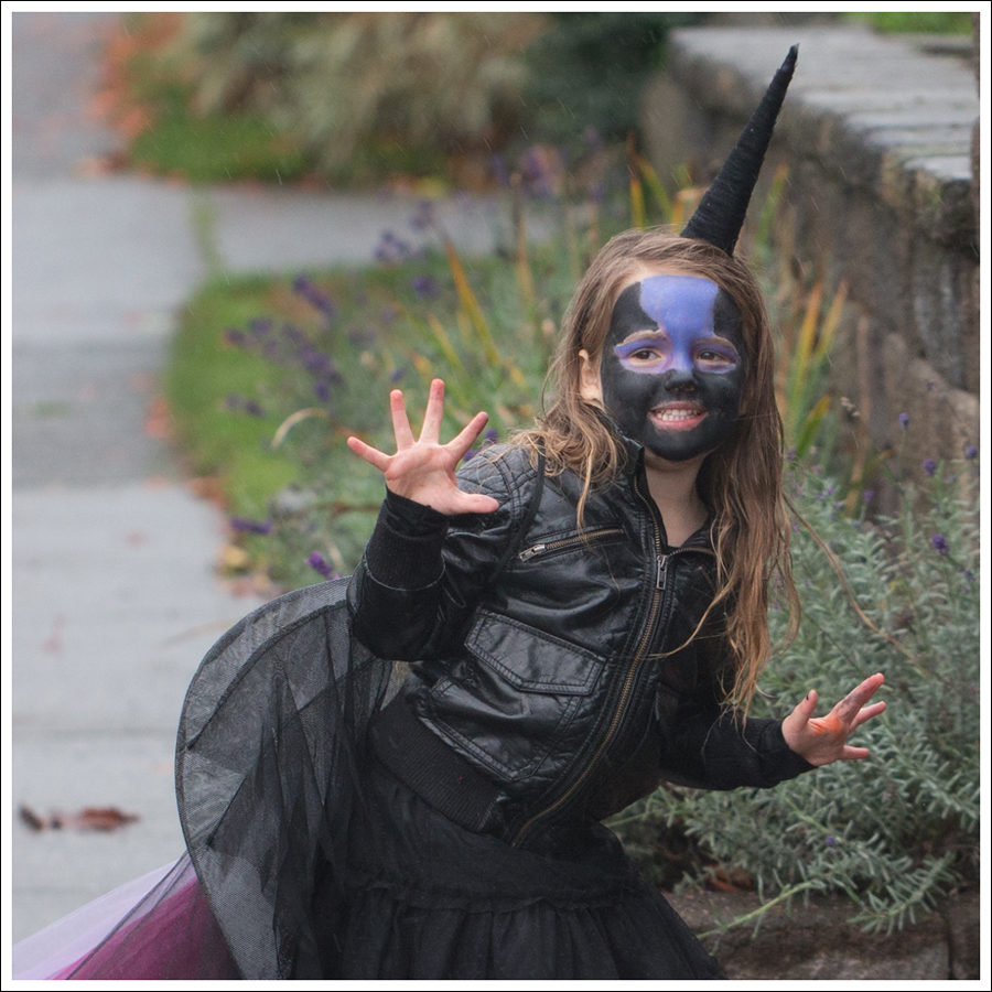 Blog DIY Unicorn Horn Halloween Costume-1-