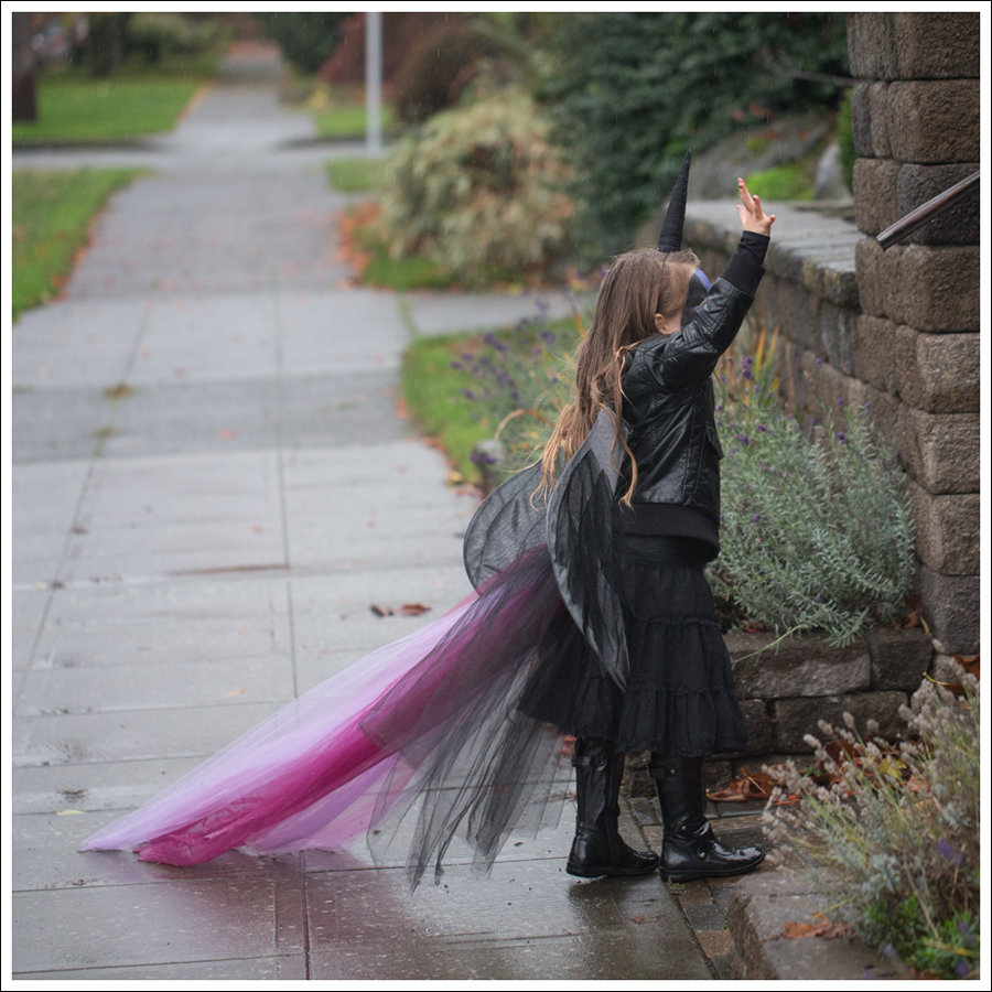 Blog DIY Unicorn Horn Halloween Costume-2
