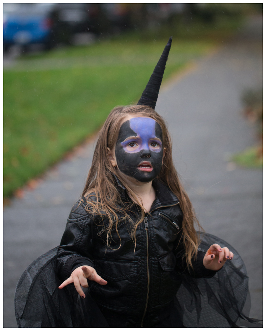Blog DIY Unicorn Horn Halloween Costume-3
