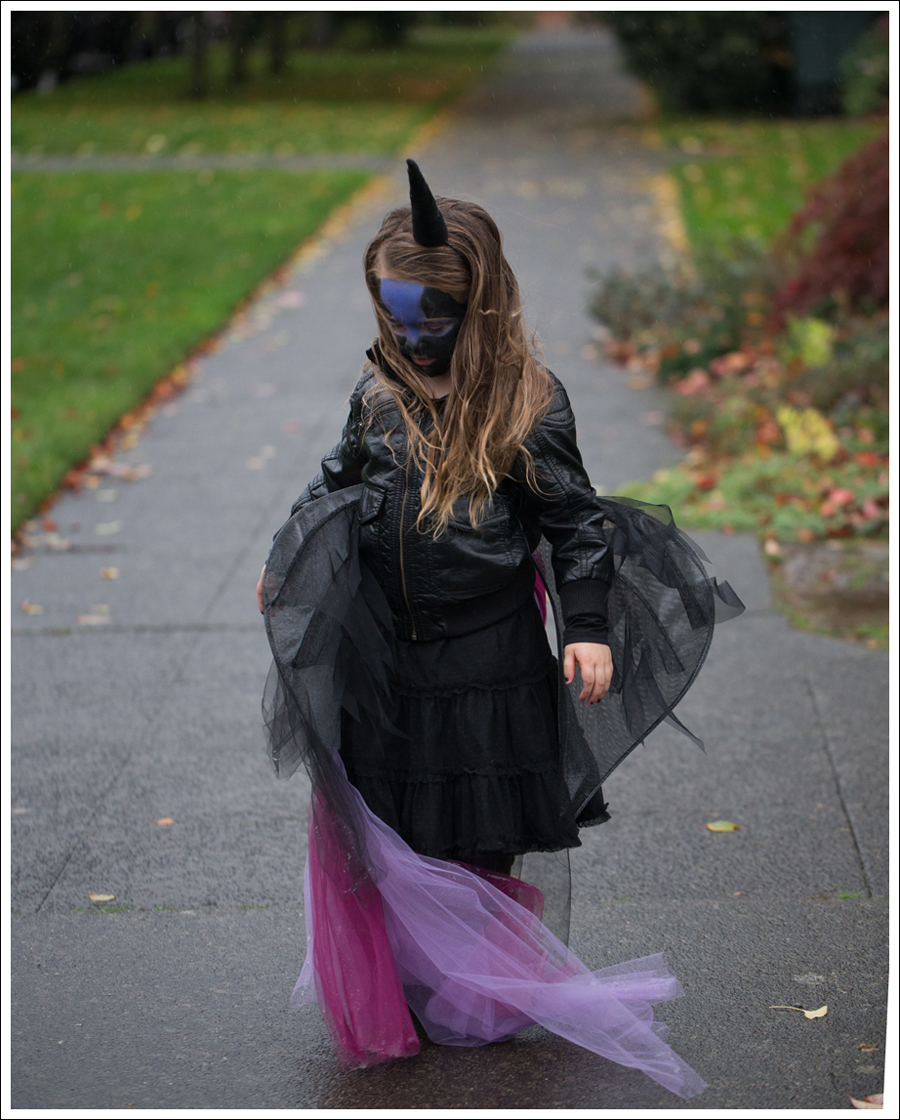 Blog DIY Unicorn Horn Halloween Costume-4