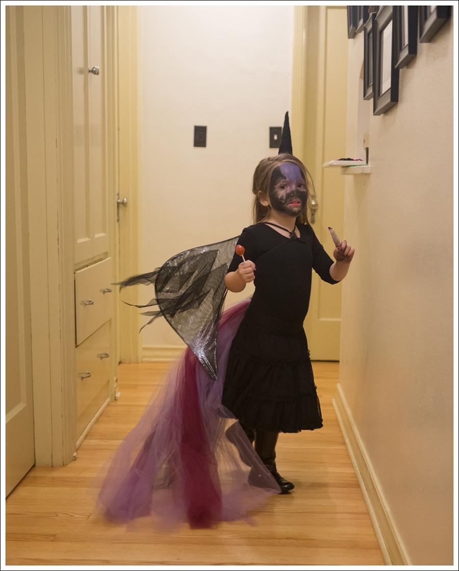 Blog DIY Unicorn Horn Halloween Costume-5