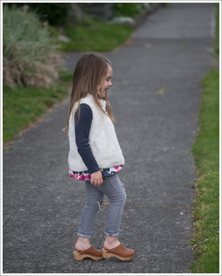 Blog GapKids Faux Fur Reversible Vest Tea Collection Gray Floral Tunic Skinny Mini Destroyed Gray Jeans Sven Clogs-2