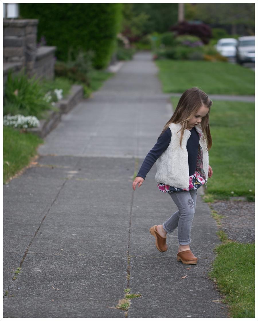 Blog GapKids Faux Fur Reversible Vest Tea Collection Gray Floral Tunic Skinny Mini Destroyed Gray Jeans Sven Clogs-3