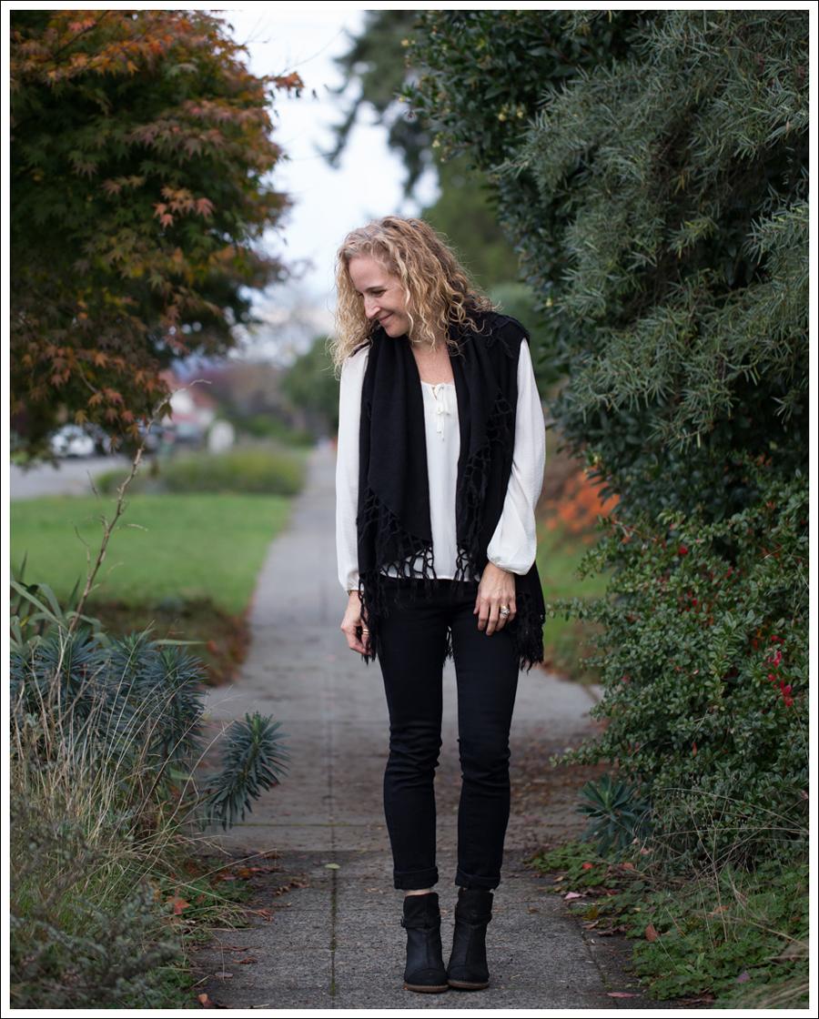 Blog StyleMint Fringe Vest HM Boho Top J Brand Stockholm Noir El Naturalista Duna N528-1