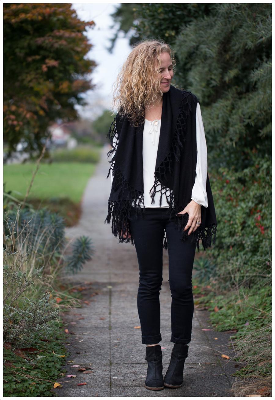 Blog StyleMint Fringe Vest HM Boho Top J Brand Stockholm Noir El Naturalista Duna N528-2