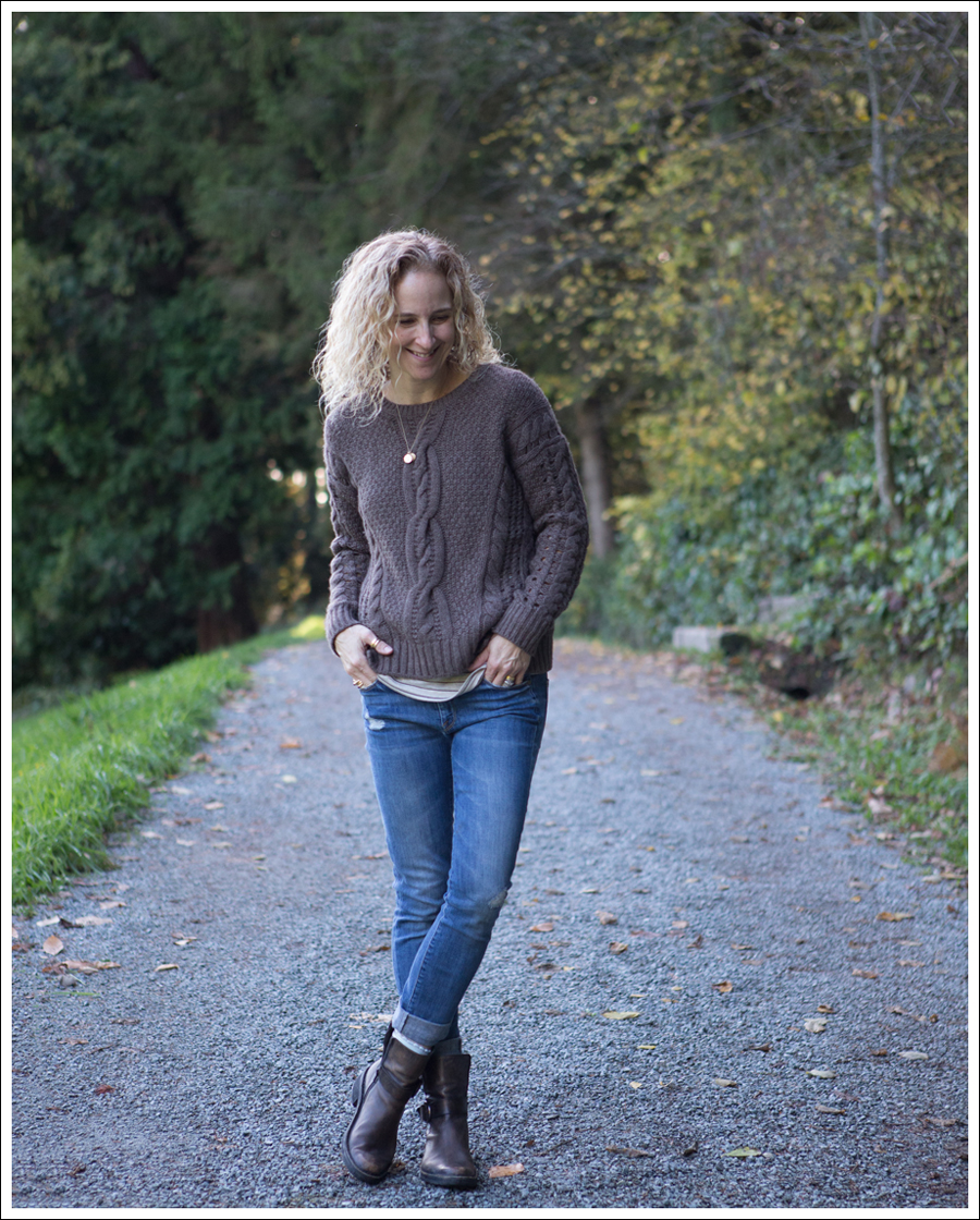 Blog Vince Cable Knit Sweater Destroyed Skinny Jeans Cafe Noire Boots-2
