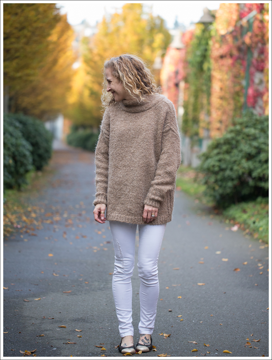 Blog Zara Tie Back Oversized Sweater DL1961 Amanda Skinny Jean Mania Nene Emma Shoes-1