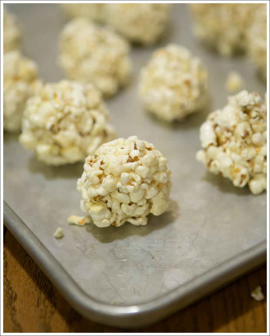 Blog Paleo Healthy Popcorn Balls-4