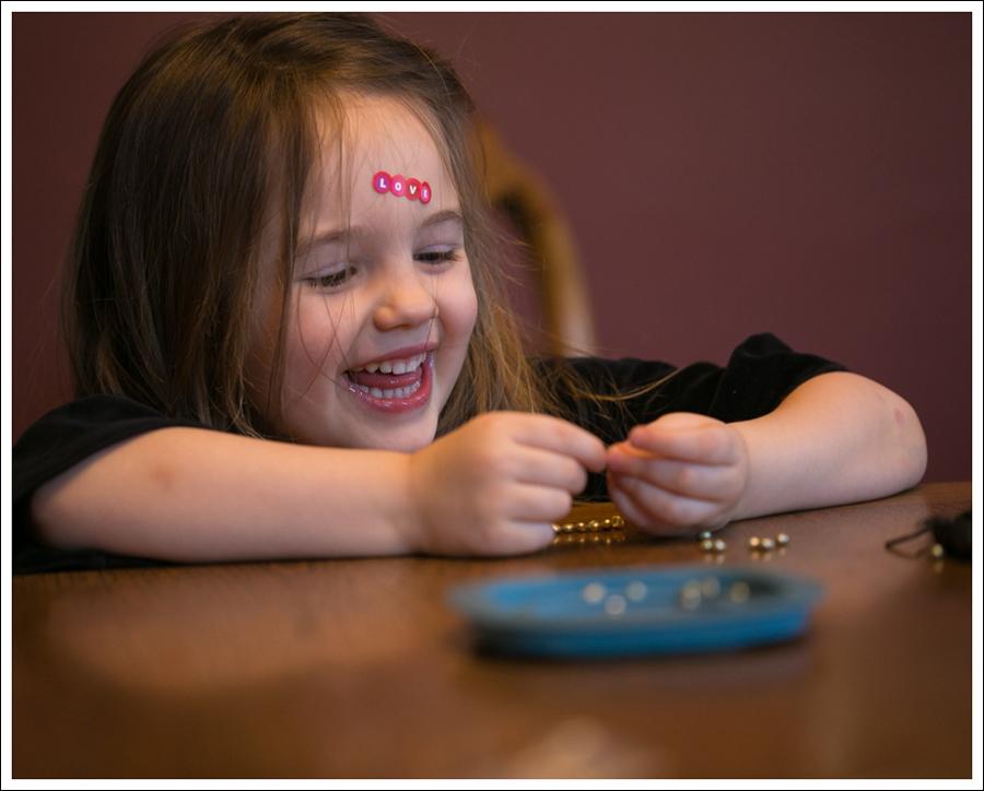 Blog DIY Toddler Beaded Bracelet-4