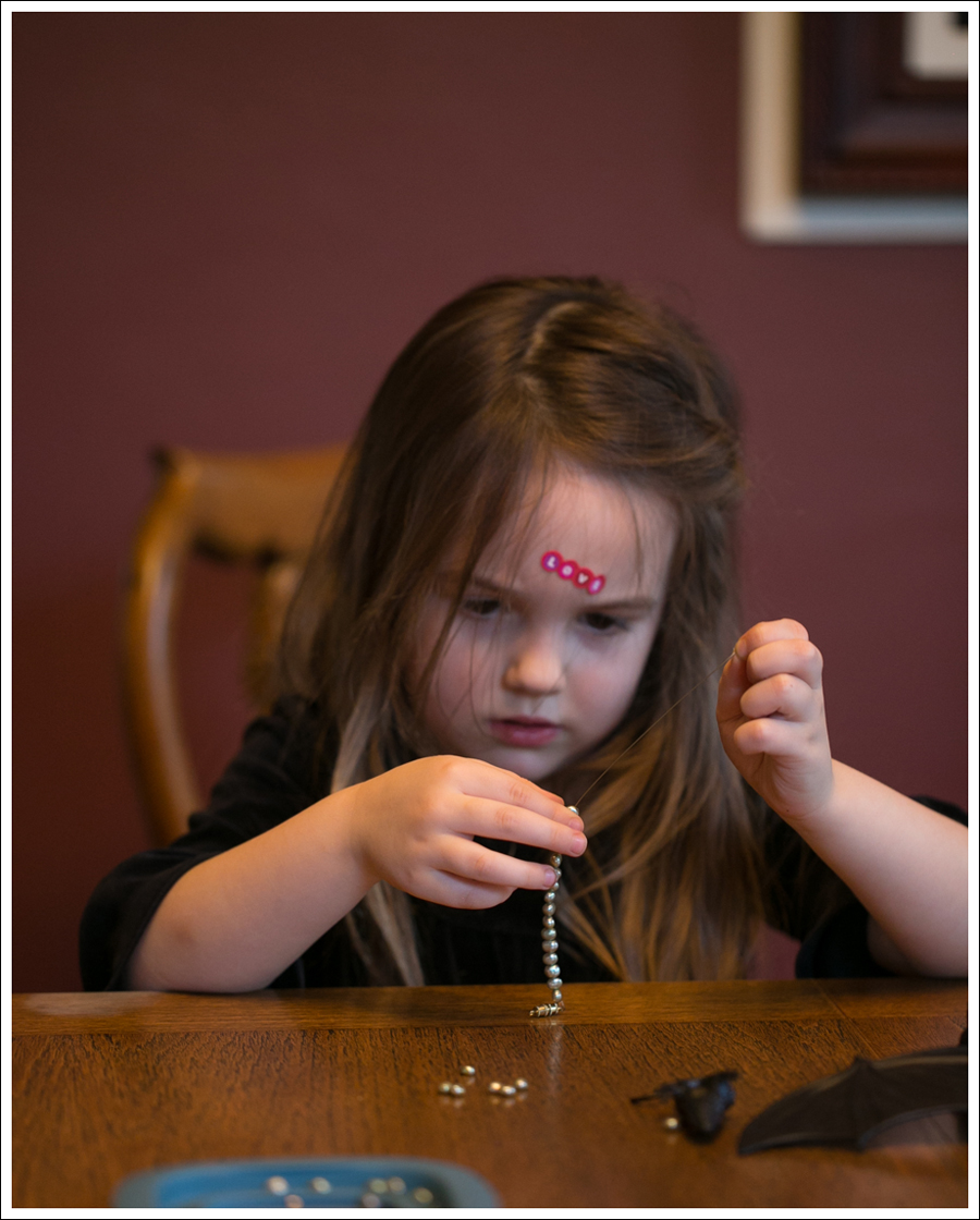 Blog DIY Toddler Beaded Bracelet-5