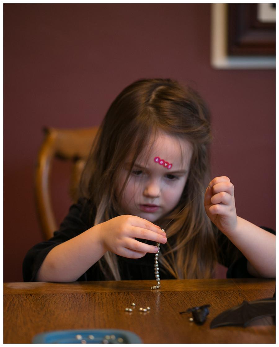 Blog DIY Toddler Beaded Bracelet-5