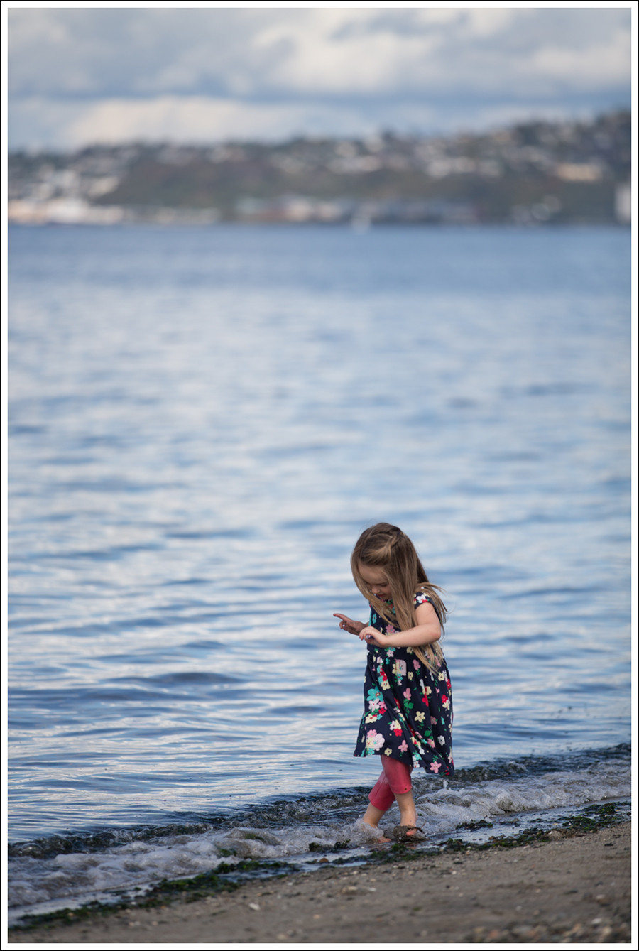 Blog Hanna Andersson Forever Play Dress Navy Floral-10
