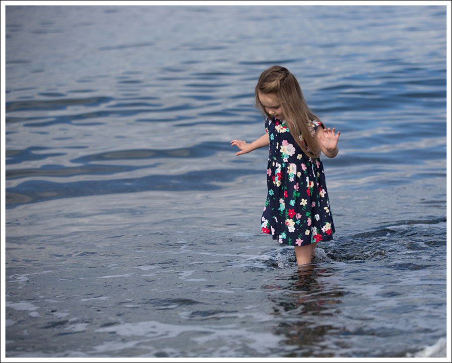 Blog Hanna Andersson Forever Play Dress Navy Floral-15