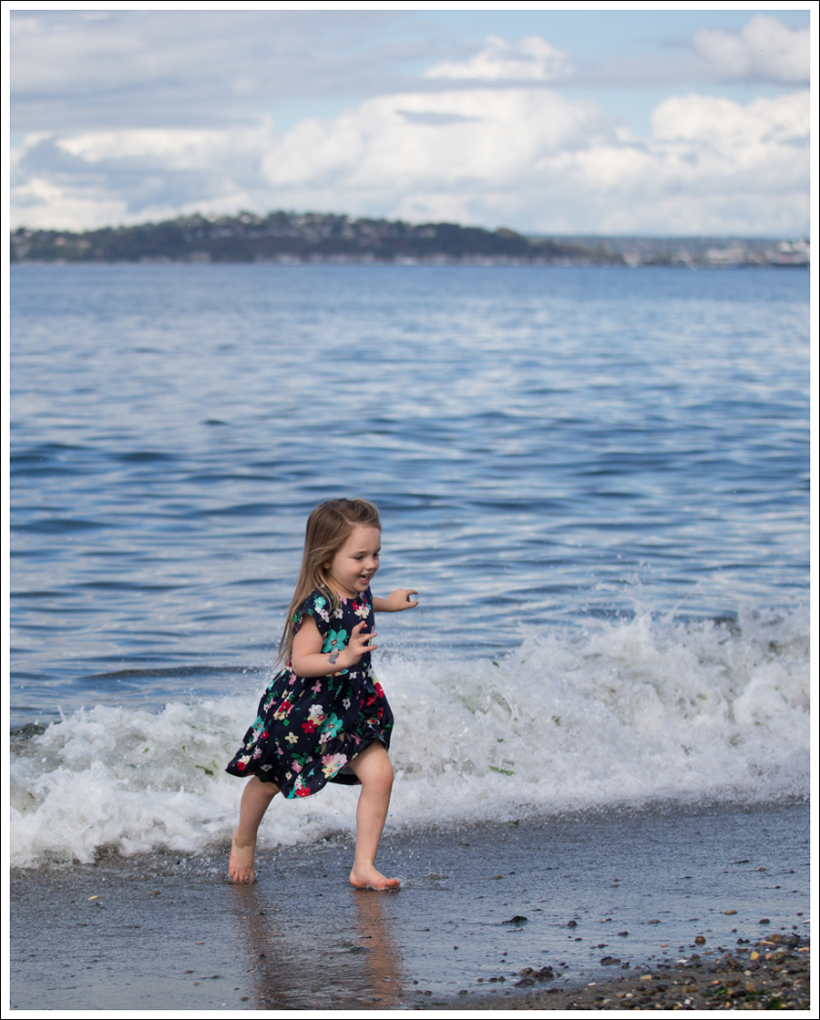 Blog Hanna Andersson Forever Play Dress Navy Floral-18
