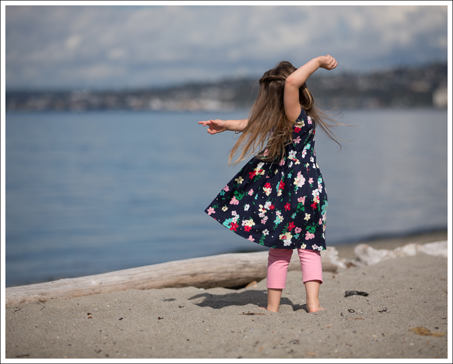 Blog Hanna Andersson Forever Play Dress Navy Floral-2