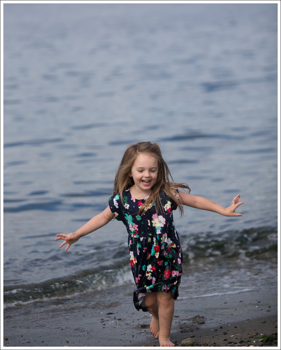 Blog Hanna Andersson Forever Play Dress Navy Floral-21
