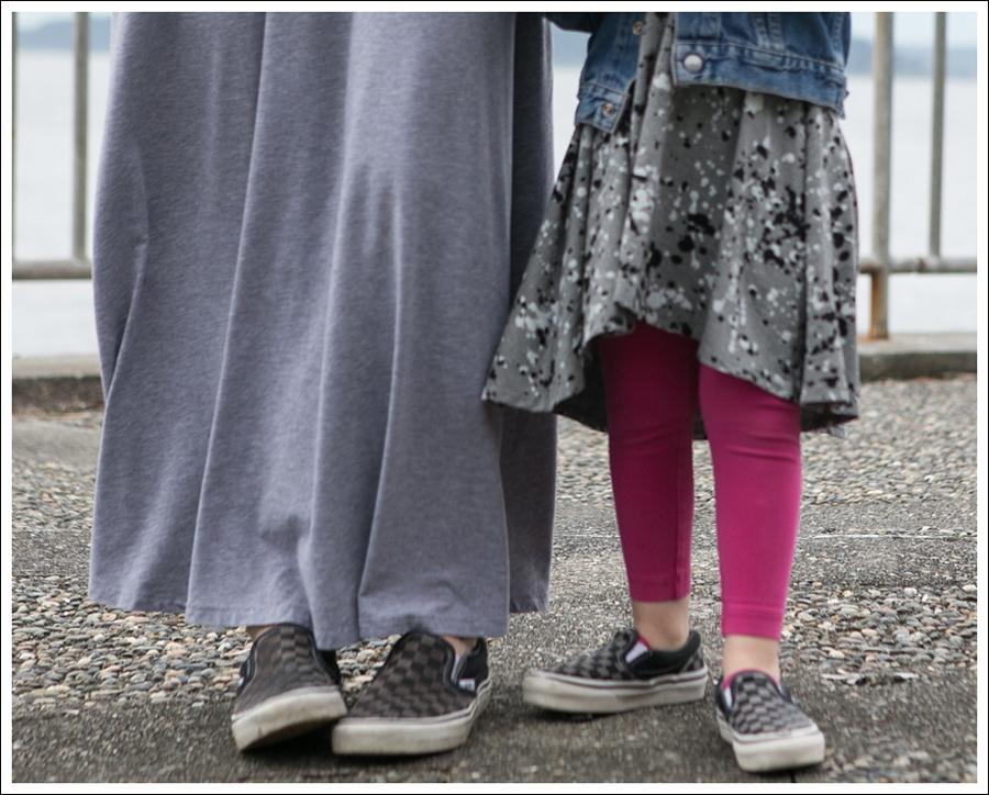 Blog Levis Denim Shirt Splendid Gray Dress Checkered Converse-2