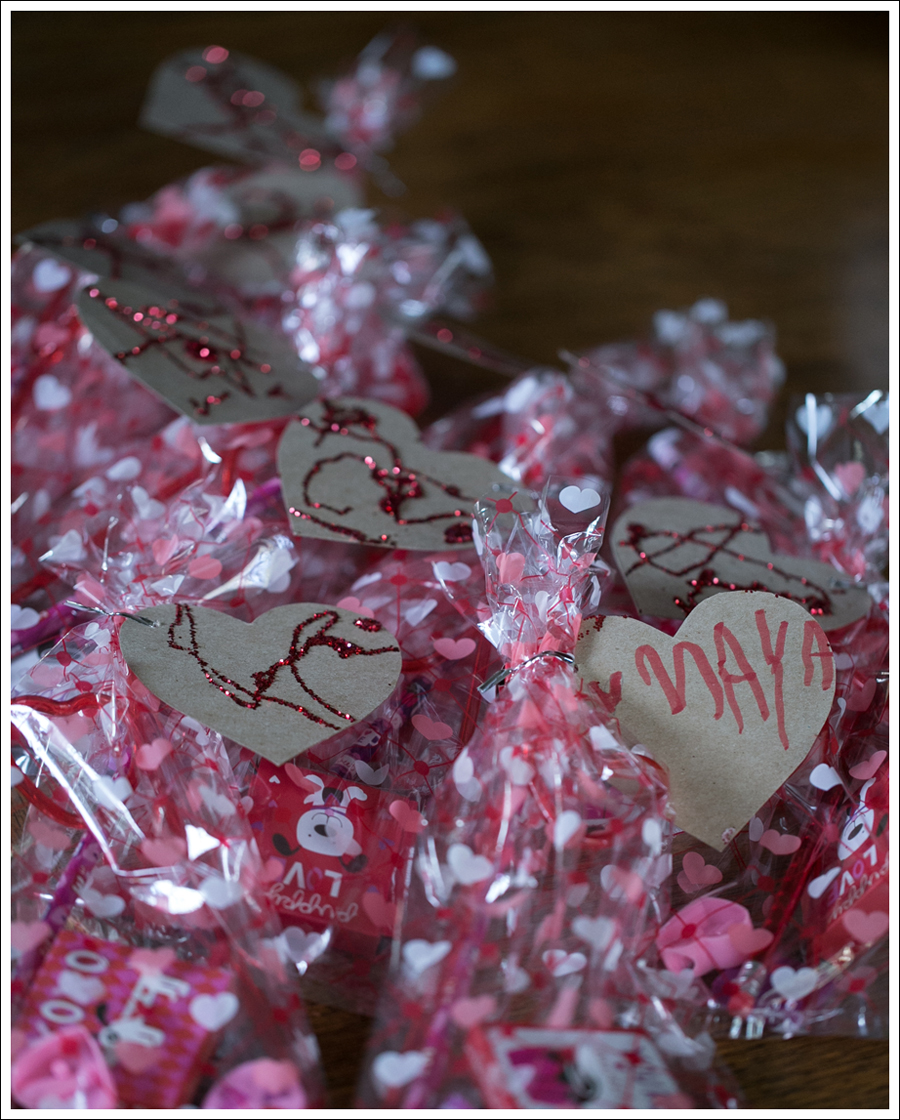 Blog Non Candy Preschool Valentine Bags DIY Glitter Heart Card-2