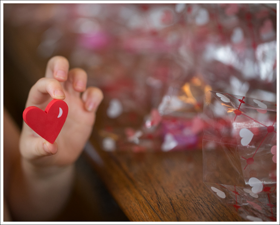 Blog Non Candy Preschool Valentine Bags DIY Glitter Heart Card-6