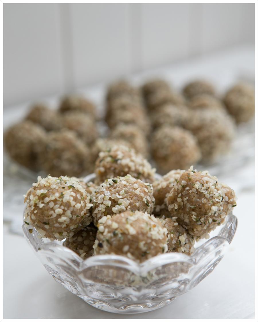 Blog Quinoa Sun Butter Hemp Seed Protein Balls-1
