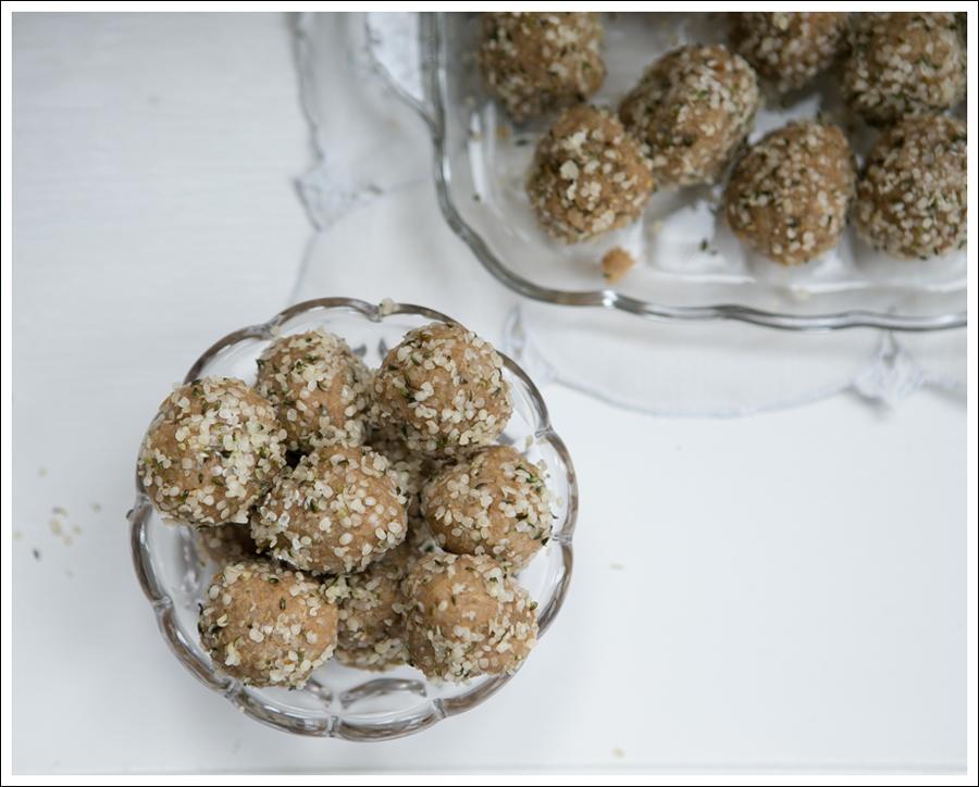 Blog Quinoa Sun Butter Hemp Seed Protein Balls-2