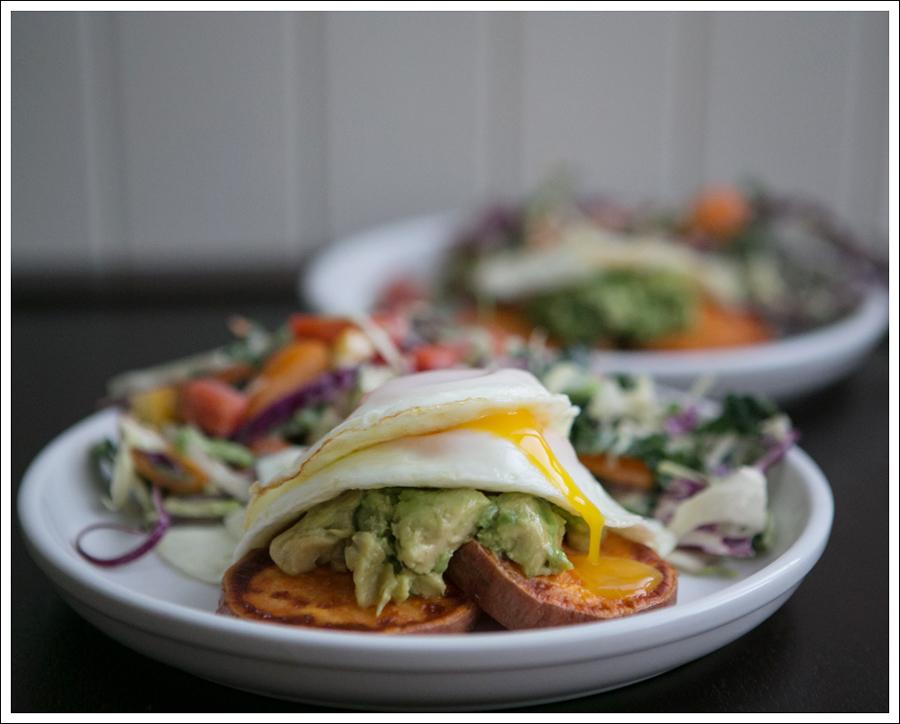 Blog Whole 30 Avocado Sweet Potato Toast Fried Egg-2