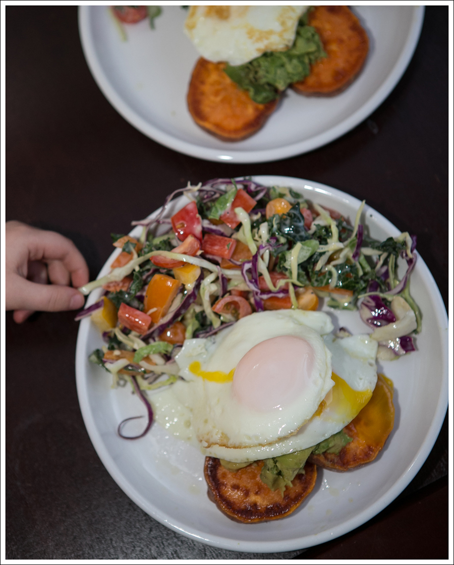 Blog Whole 30 Avocado Sweet Potato Toast Fried Egg-3