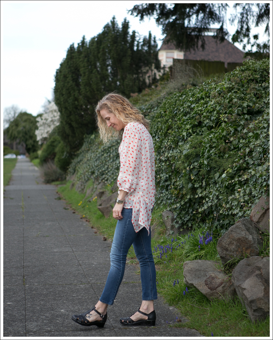 Blog Eshtaki Floral Top DL1961 Grace Swedish Hasbeens-3