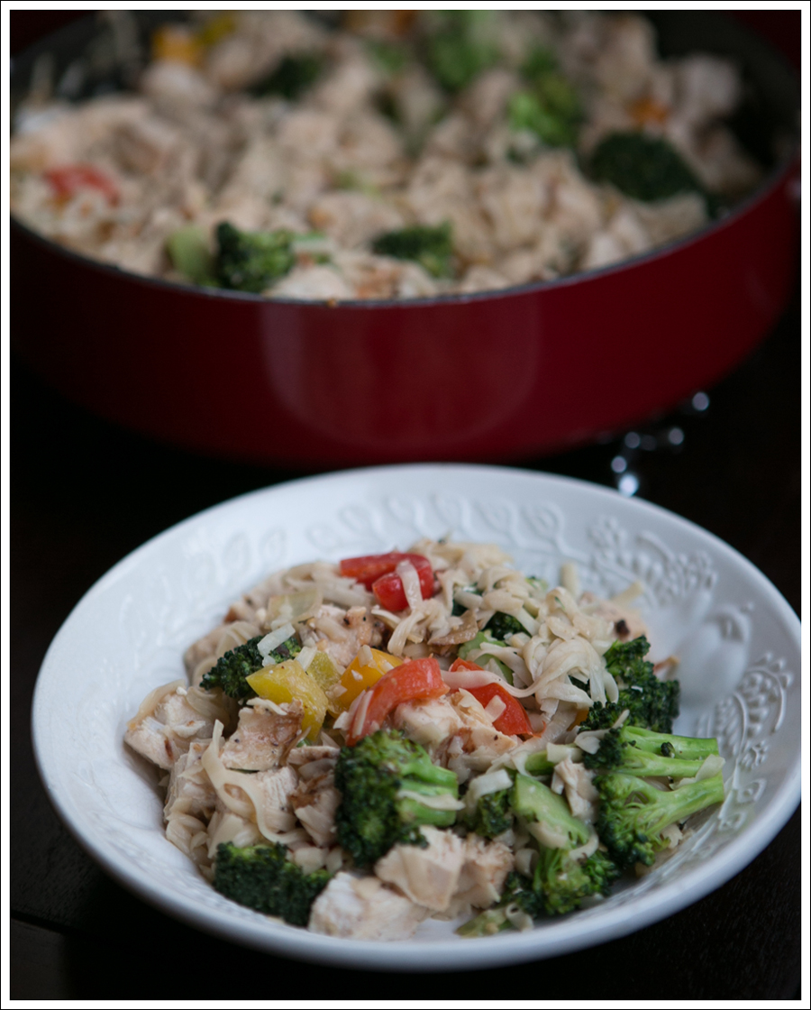 Blog Healthy Thai Broccoli Pepper Chicken with Noodles-1