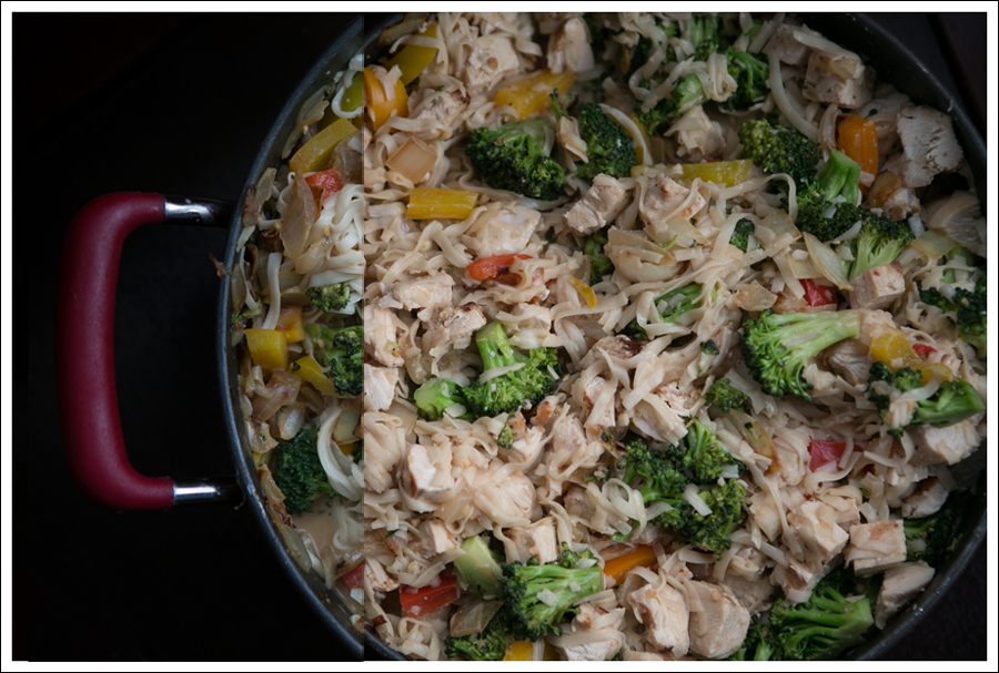 Blog Healthy Thai Broccoli Pepper Chicken with Noodles-2