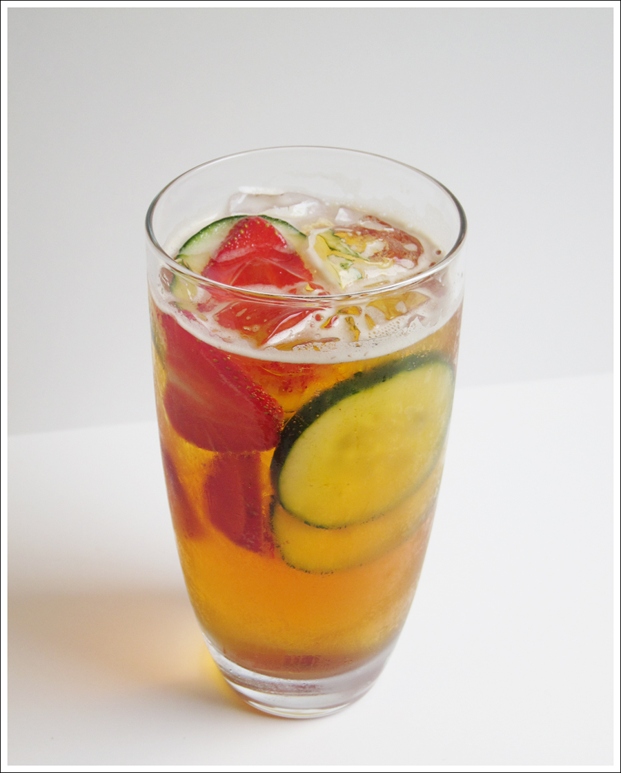 pimms cucumber strawberry drink blog (1)