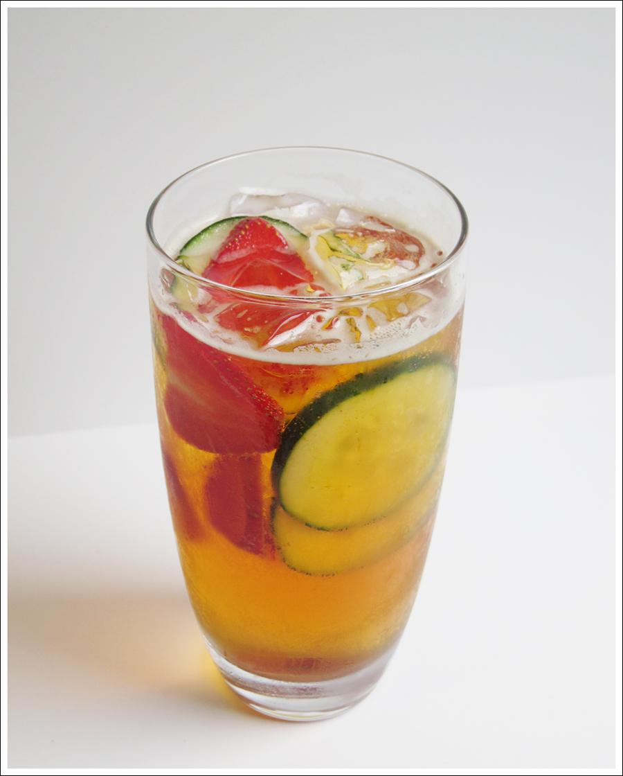 pimms cucumber strawberry drink blog (1)