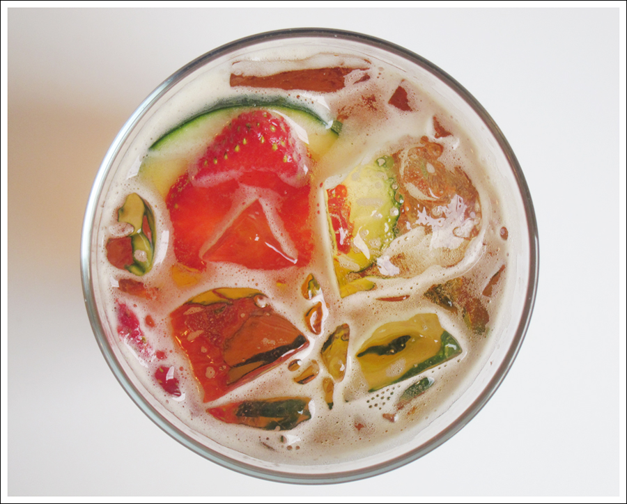 pimms cucumber strawberry drink blog (2)