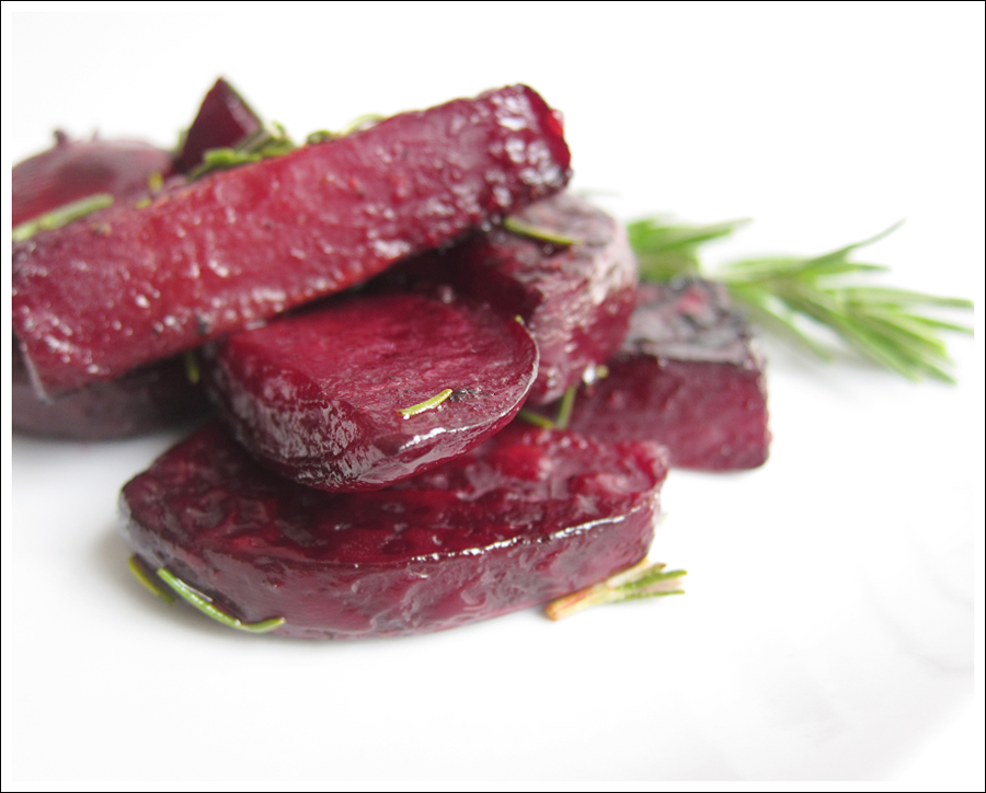 roasted beets with balsamic and rosemary blog