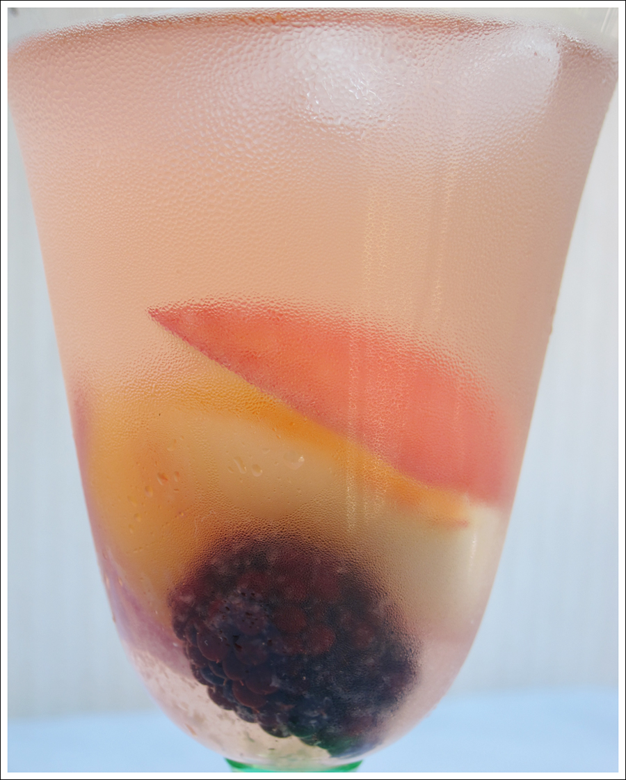 white sangria with summer fruit and berries blog (1)