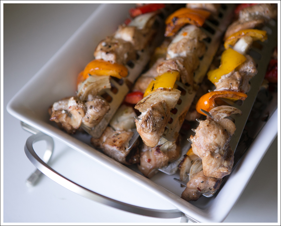 Blog Whole30 Paleo Grilled Chicken Peppers Onions Shish Kabobs-1