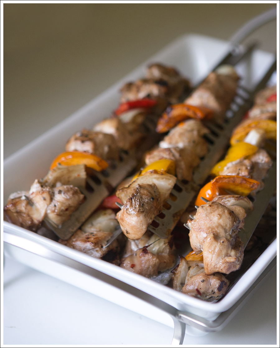 Blog Whole30 Paleo Grilled Chicken Peppers Onions Shish Kabobs-2