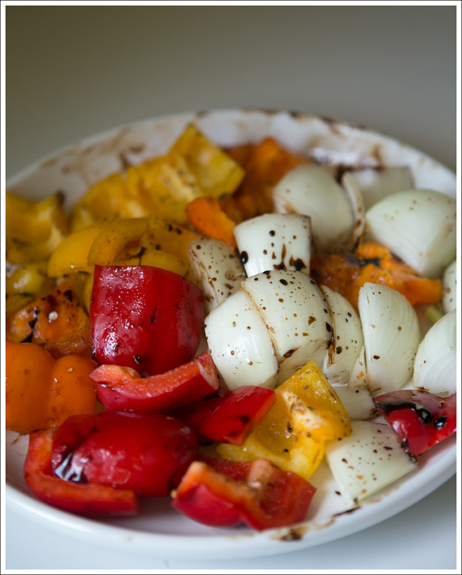 Blog Whole30 Paleo Grilled Chicken Peppers Onions Shish Kabobs-3