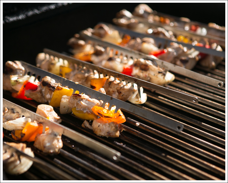 Blog Whole30 Paleo Grilled Chicken Peppers Onions Shish Kabobs-6