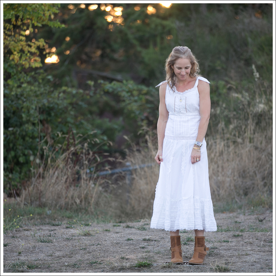 blog-terra-nostra-white-dress-aquatalia-boots-1