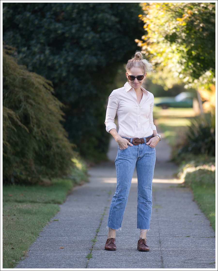 blog-theory-tan-button-down-levis-501-luciano-moresco-brogues-1