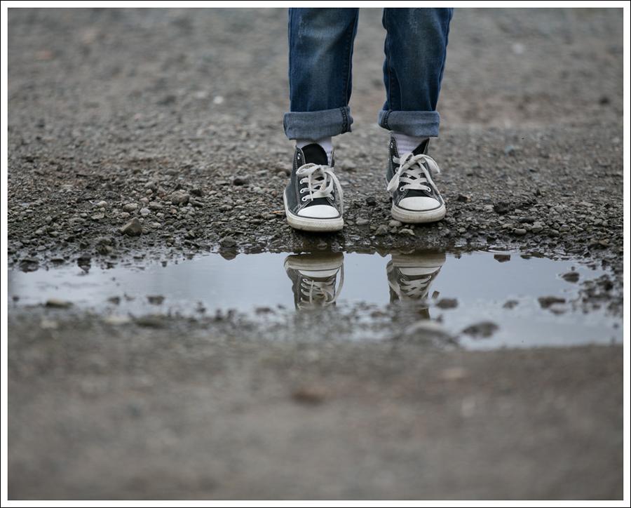 blog-urban-republic-varsity-jacket-pockie-k-tee-hudson-boyfriend-jeans-converse-high-tops-2