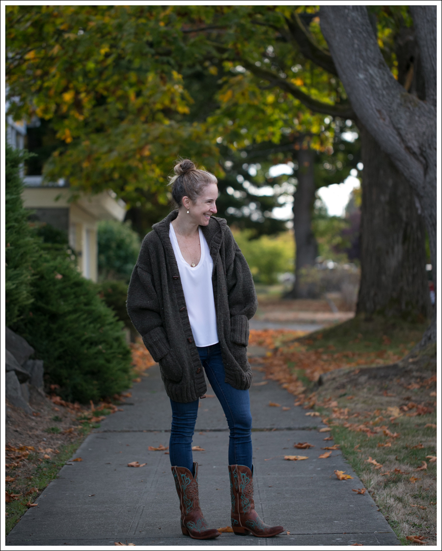 blog-chunky-oversized-hand-knit-cardigan-j-brand-skinny-lucchese-cowboy-boots-2