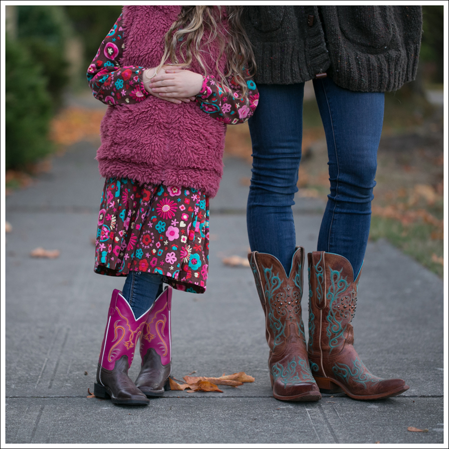 blog-chunky-oversized-hand-knit-cardigan-j-brand-skinny-lucchese-cowboy-boots-4