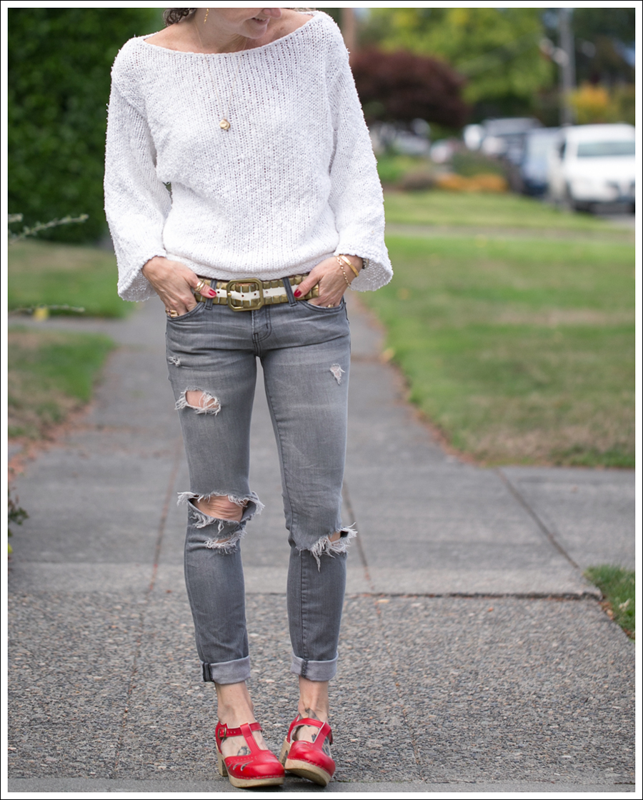 blog-lily-mcneal-sweater-current-elliott-gray-destroyed-skinny-sven-red-lacy-clogs-3