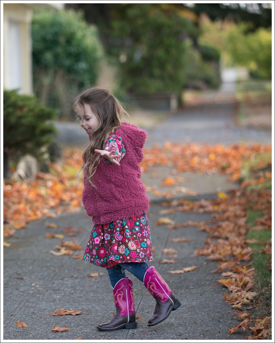 blog-mini-boden-furry-vest-le-top-cute-cookie-dress-old-west-square-toe-cowboy-boots-5