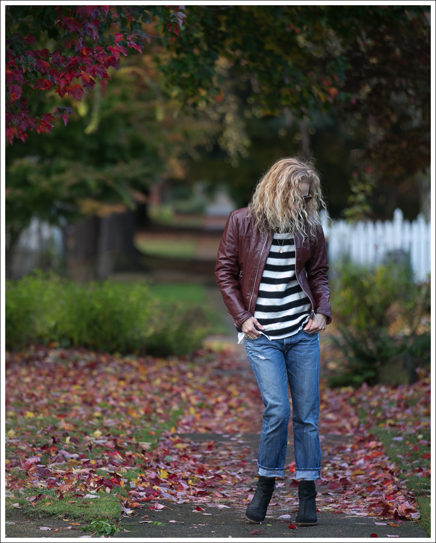 blog-vintage-leather-jacket-striped-sweater-j-brand-boyfriend-clyde-el-naturalista-1