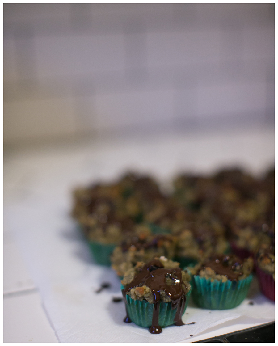 blog-paleo-cherry-gluten-free-muffins-with-dark-chocolate-drizzle-7